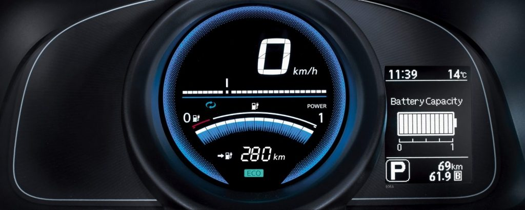 Licznik Nissan e-NV200 - Wypożyczalnia samochodów luksusowych Mestenza Trójmiasto Rafał Grzebin