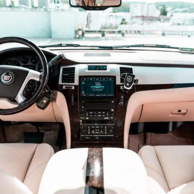 Cadillac Escalade wypożyczalnia samochodów luksusowych Mestenza Rafał Grzebin